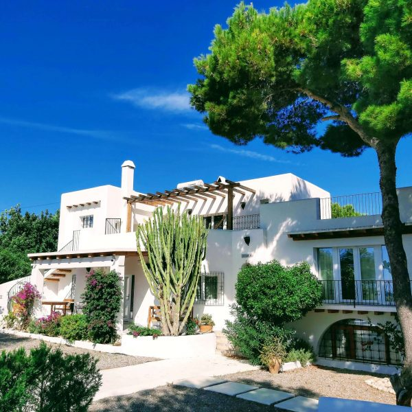 Travel Can Destino Labarta Ibiza Villa Pool 1