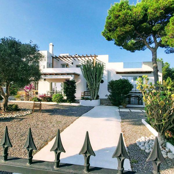 Travel Can Destino Labarta Ibiza Villa Pool 2