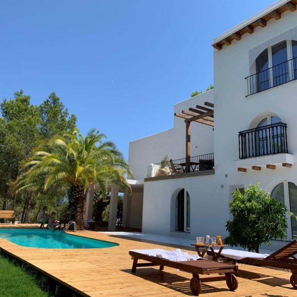 Travel Can Destino Labarta Ibiza Villa Pool 9